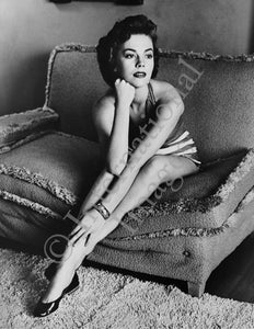 Natalie Wood poses on a couch (0034)