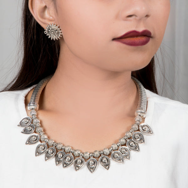 Tribal Hansli Choker | Hansuli Necklace with Stud