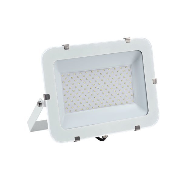 Projecteur LED - 150 Watts – Angle 150° - 18 000 lumens – 120 Lumens/Watt - 367 x 260 x 51 mm – IP65 - Garantie 5 ans