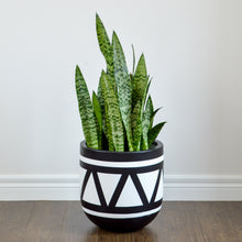 black aztec pot with white design
