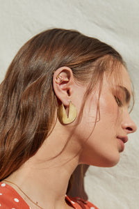 gold, minimal, art, deco, hoops, cut out, v, cutout, dainty, chic, stylish, trend , earrings