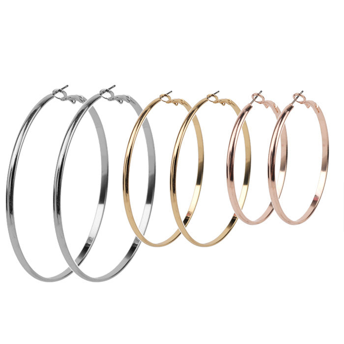 ear game, hoops, statement earrings, gold, silver, rose gold, style, influencer, blogger, on trend