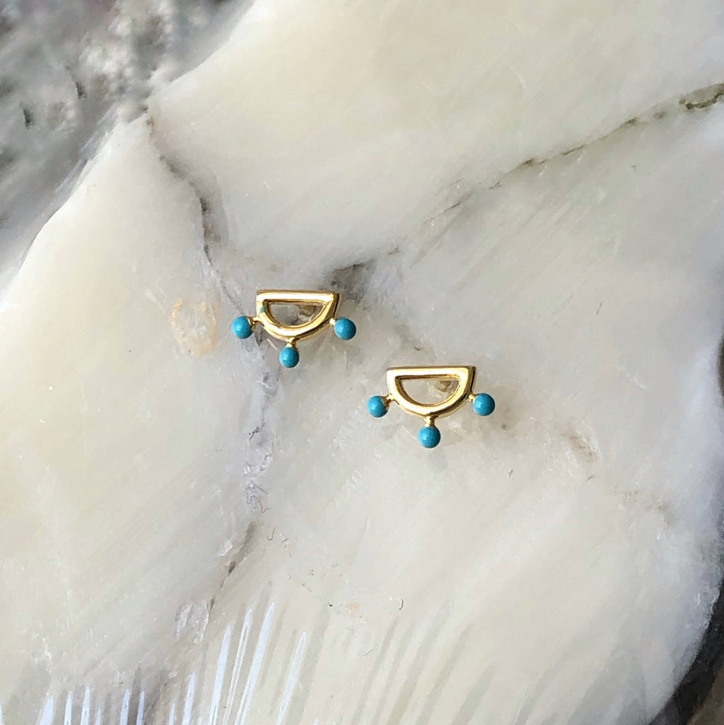 trendy, statement earrings, gold, style, influencer, blogger, Selena gomez, hoops, ear game, jewelry, accessories, Saint Lola, stud earrings