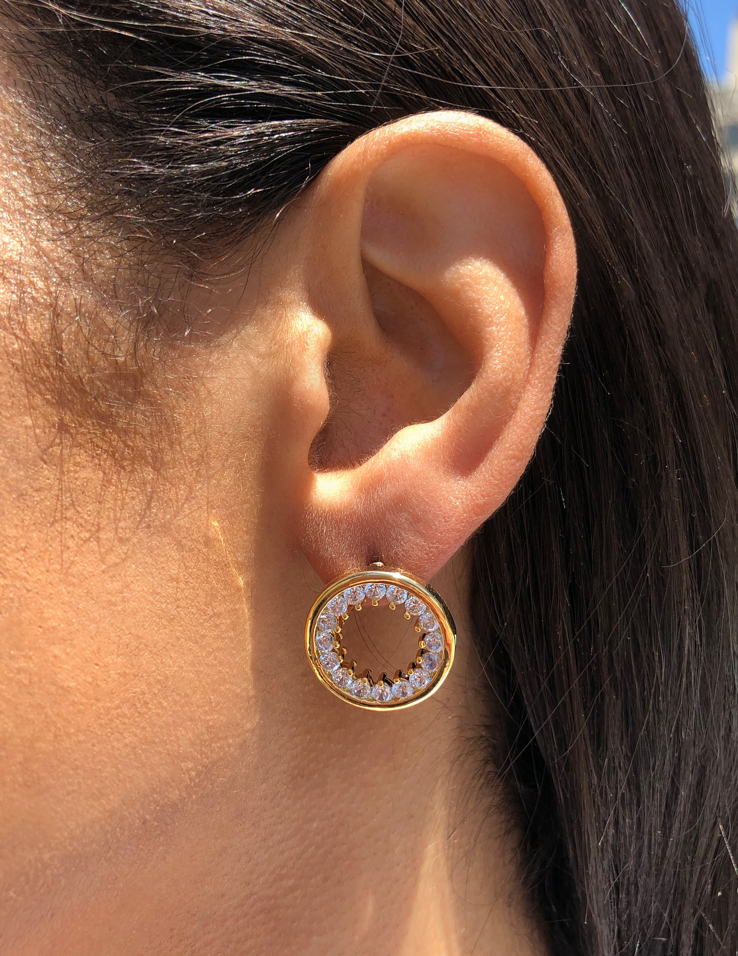white, circle, round, stud, earrings, gold, crystal, prong set, shiny, minimal, classy, studs