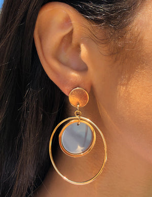 gold, minimal, art, deco, pearl, orbit, cutout, dainty, chic, stylish, trend , earrings