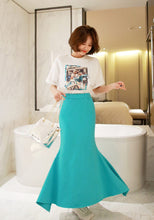 Load image into Gallery viewer, Elegant Midi Satin Skirt