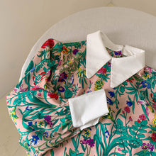 Load image into Gallery viewer, Floral Blouse