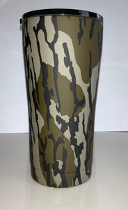 20oz Tumbler Decorated in Mossy Oak Original Bottomland