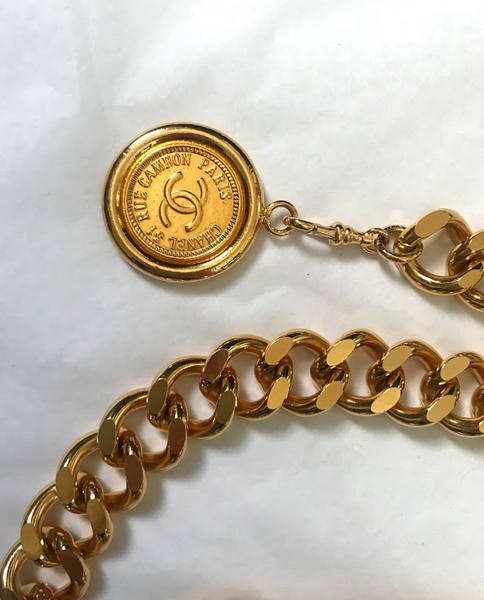 CHANEL - VINTAGE GOURMETTE CHAIN BELT