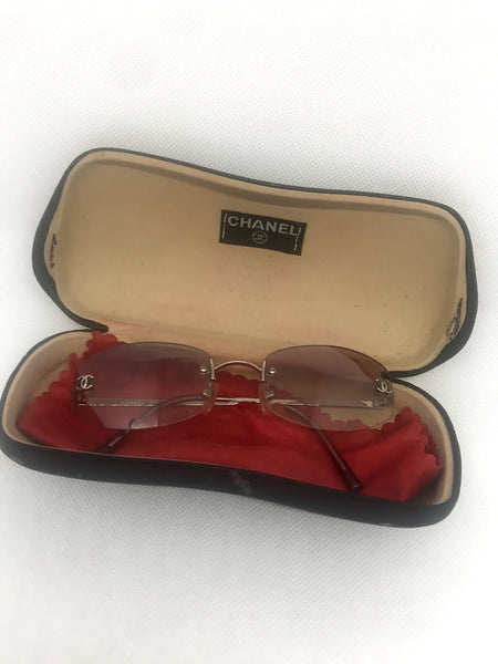 CHANEL - GRADIENT PINK LOGO 4002 SUNGLASSES