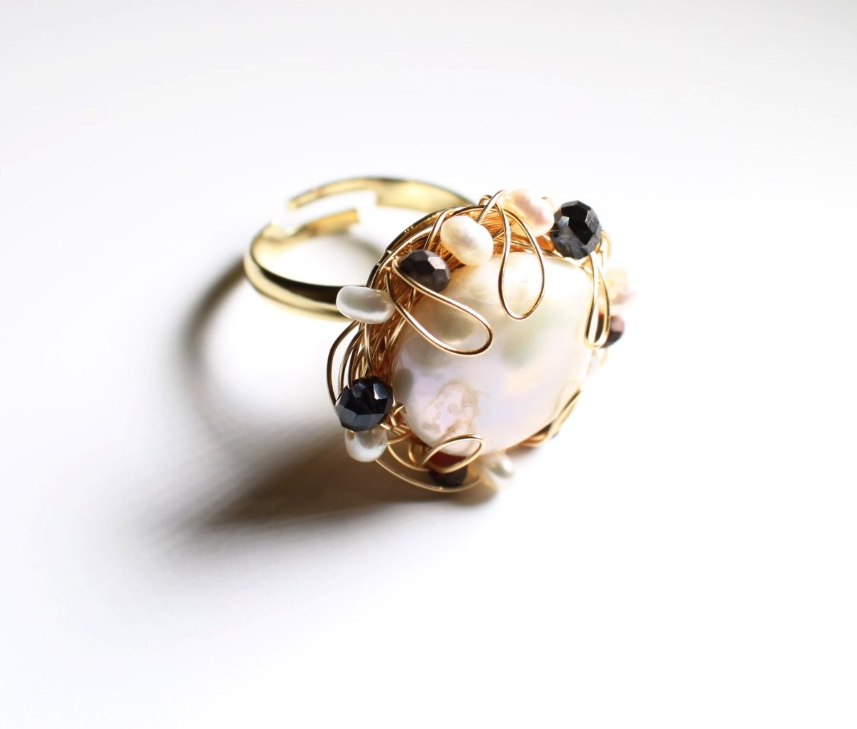 Gold Pearl Wire Ring