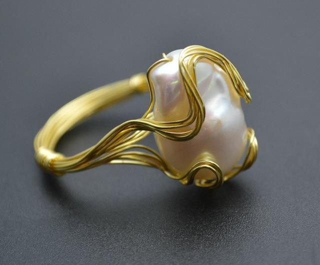 Freshwater Pearl Gold Wire Ring