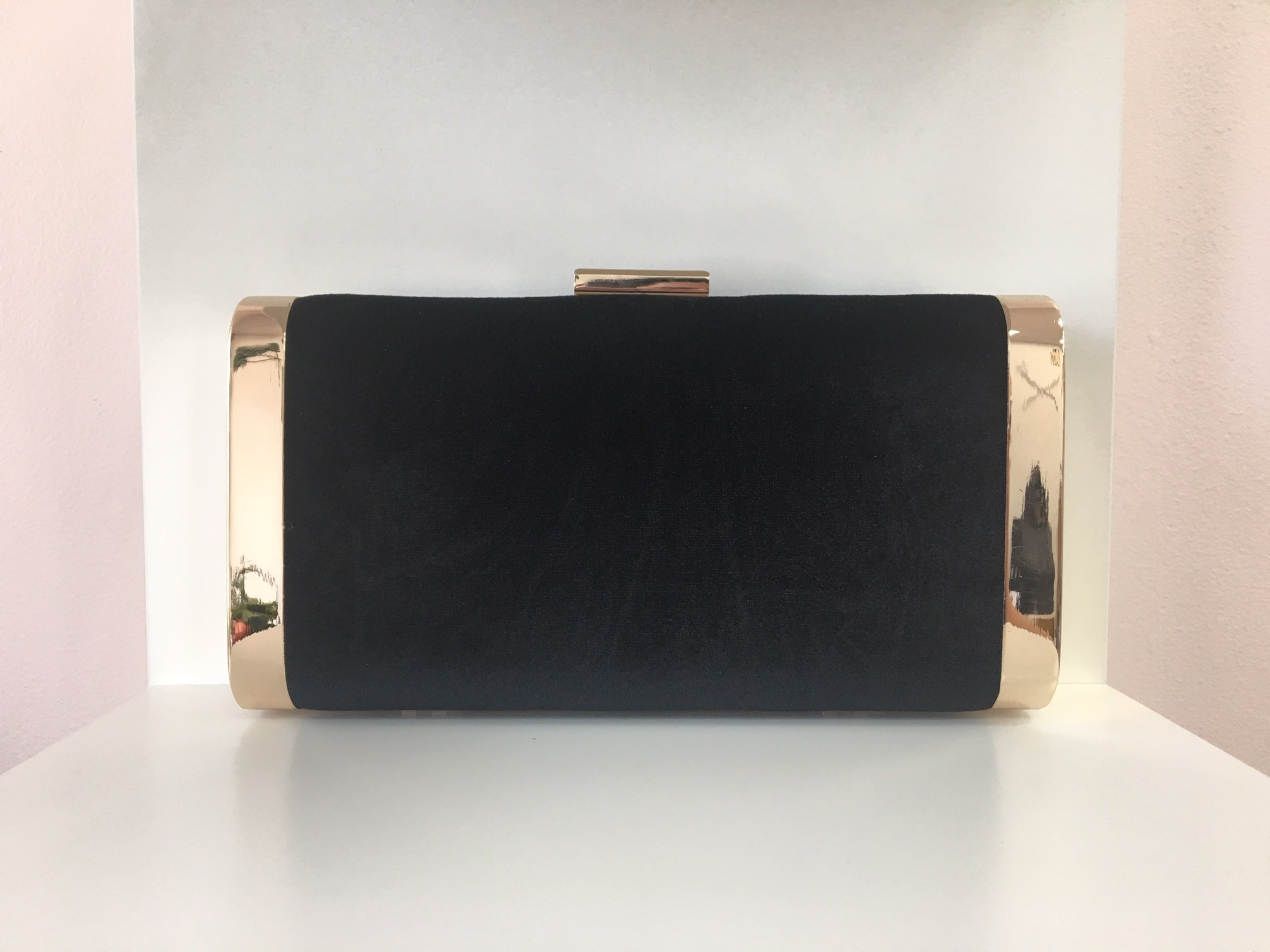 VELVET COCKTAIL CLUTCH WITH CHAIN STRAP