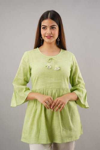 Women's Green Solid Cotton Straight Kurti