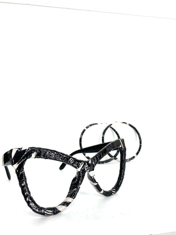 'Love it' Khandie Woo Lensless cateye Black w/ white