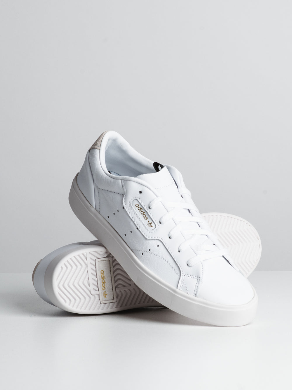 WOMENS SLEEK SNEAKER