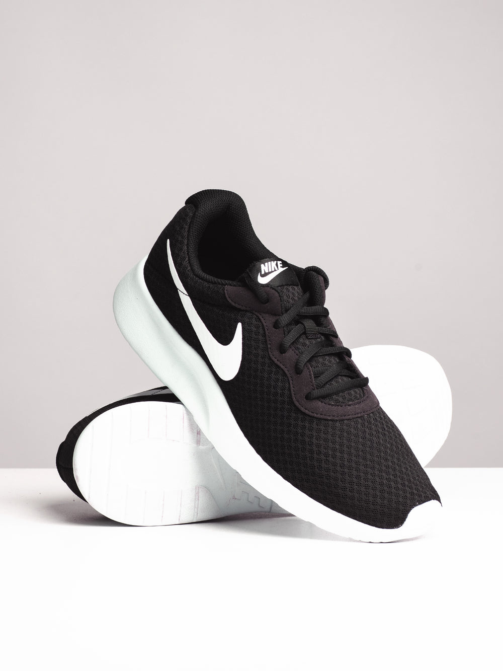 MENS TANJUN BLACK/WHITE SNEAKERS