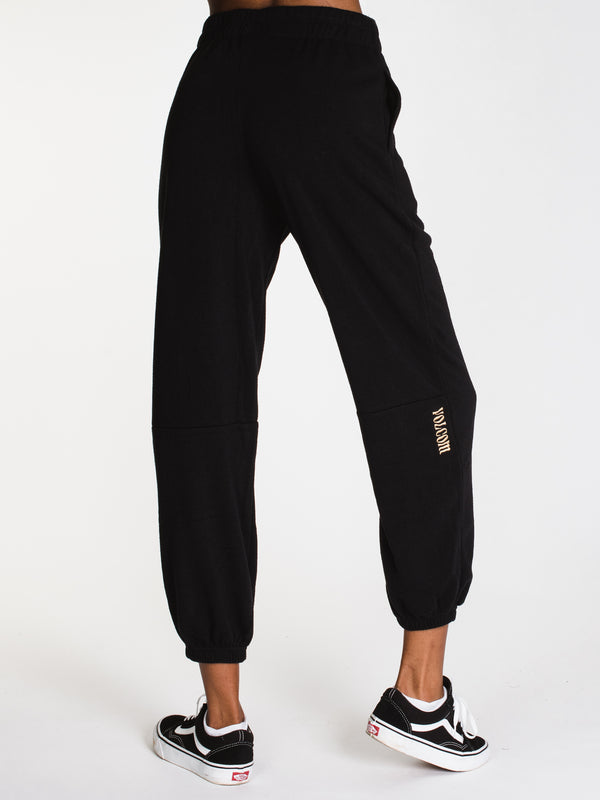 WOMENS SHORT STAXX PANT - BLACK