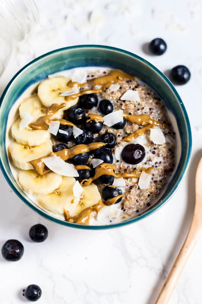 Breakfast Quinoa Bowl (Vegan & Gluten-Free)