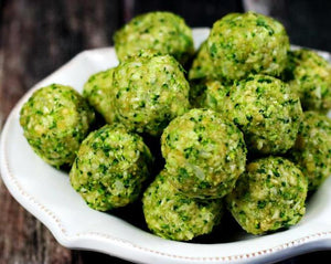 Clean eating raw broccoli balls (raw, vegan, gluten-free, dairy-free, egg-free, paleo-friendly)