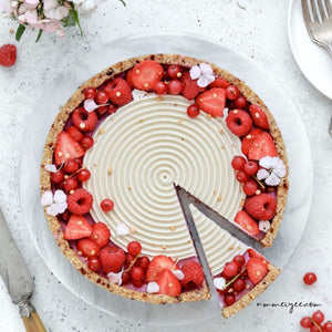 Raw raspberry & white chocolate torte