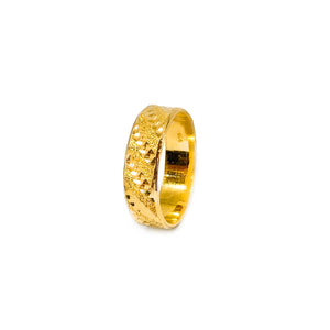 Diagonal Gold Dusted Cutting Ring