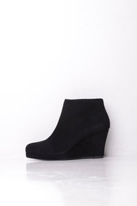 Dune Plain Black Leather Wedge