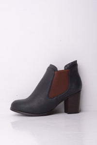 Carlton London Black Boot with Elasticated Panel