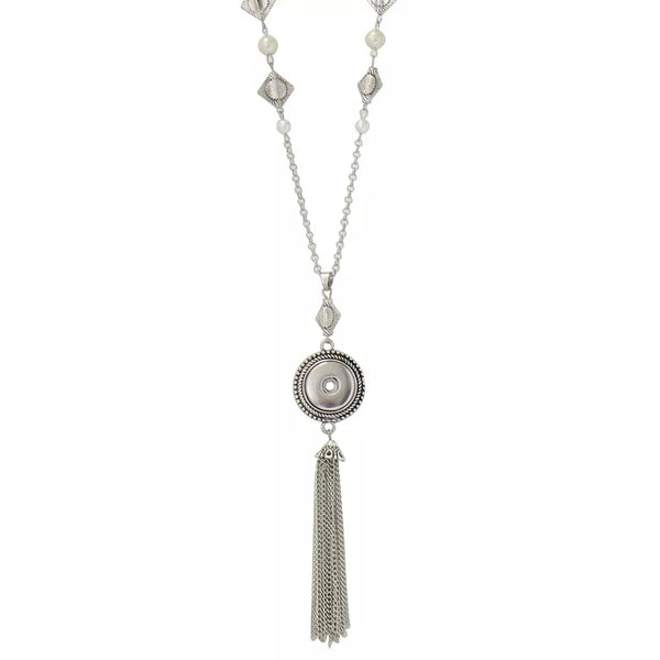Long Pearl Tassle Snap Necklace