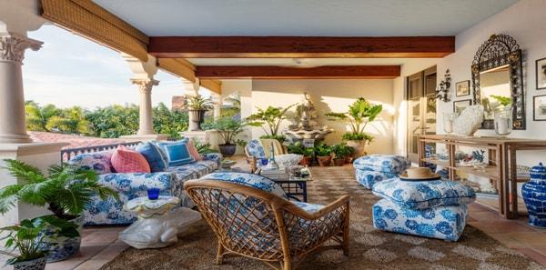 loggia with blue floral fabrics, kips bay palm beach 2019