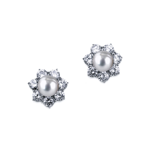 Flower Studs with Pearl Center - White/Grey