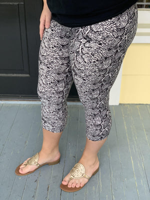 Snakeskin Buttery Soft Capri Leggings - Preppy Pineapple
