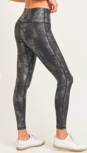 Black Grey Snake Foil Print High-Waist Leggings - Preppy Pineapple