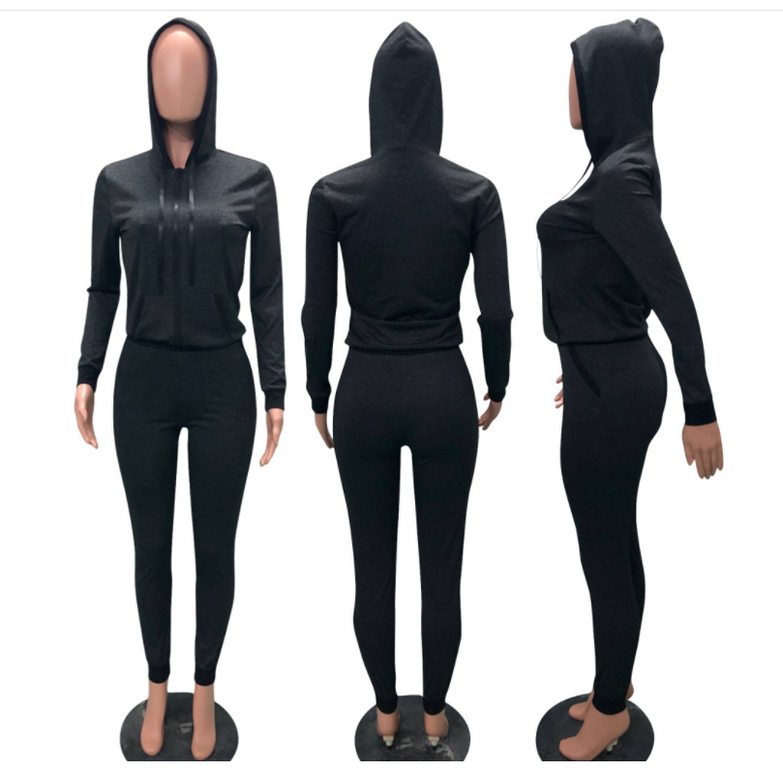 Long sleeve sports suit