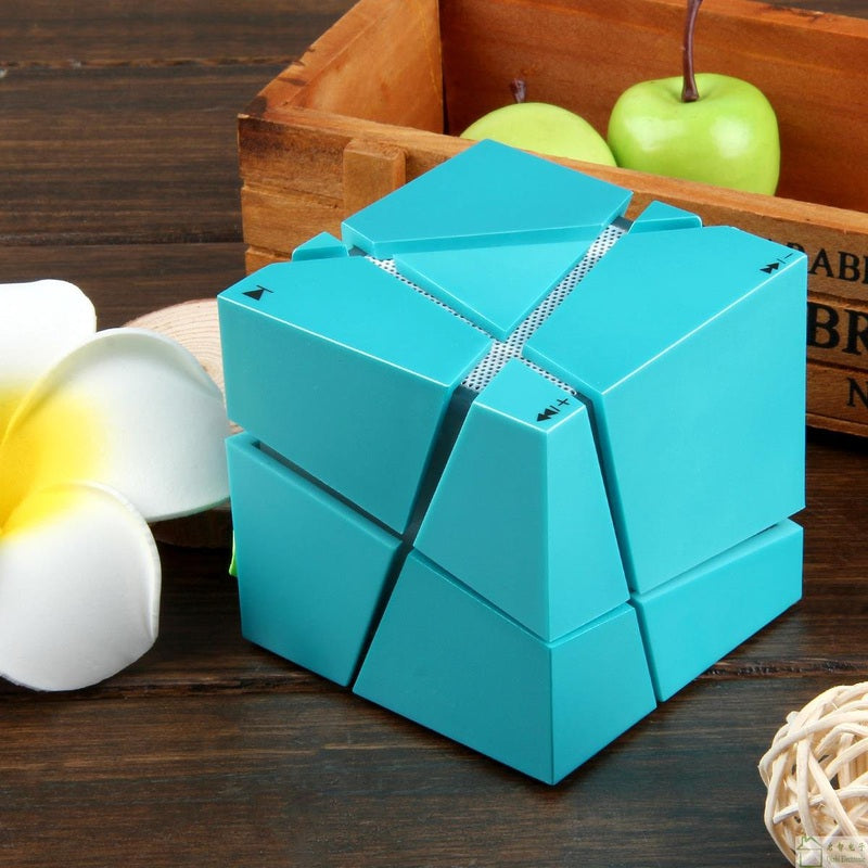 Rubik's Cube Style Wireless Bluetooth LED Speaker