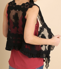 Load image into Gallery viewer, Lace Vest