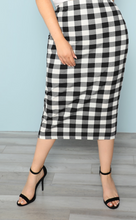 Load image into Gallery viewer, Plus Size Plaid Skirt