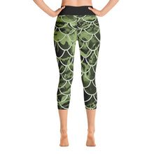 Load image into Gallery viewer, Mermaflage Yoga Capri Leggings