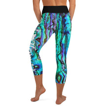 Load image into Gallery viewer, Abalone Capri Leggings
