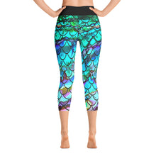 Load image into Gallery viewer, New Blue Multi Mermaid Scale Capri Leggings