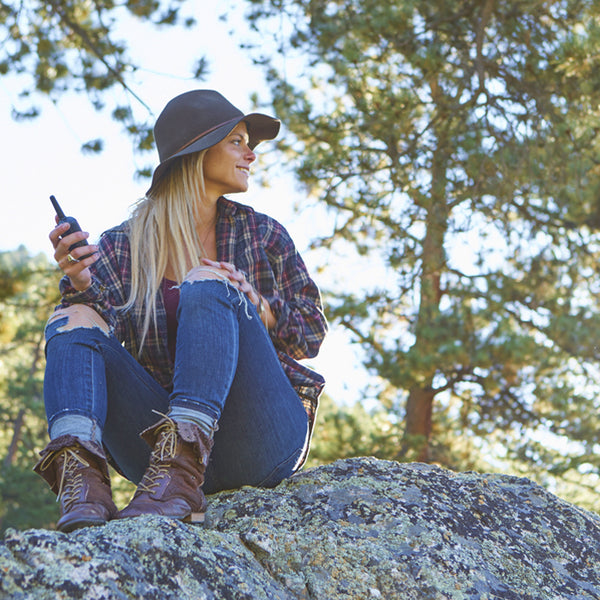 5 BASIC RULES – USING WALKIE TALKIES ON LOCATION