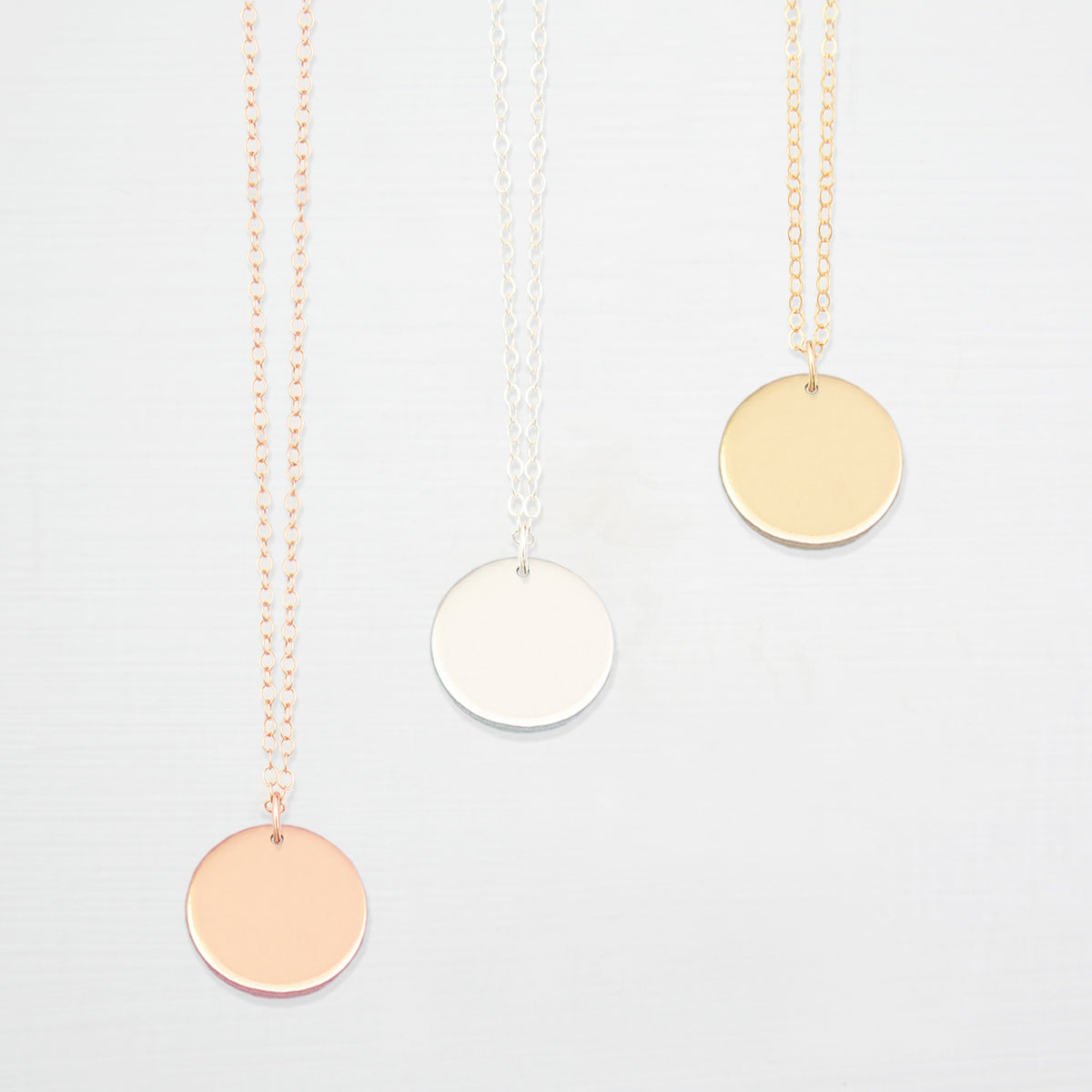 smooth disk necklace