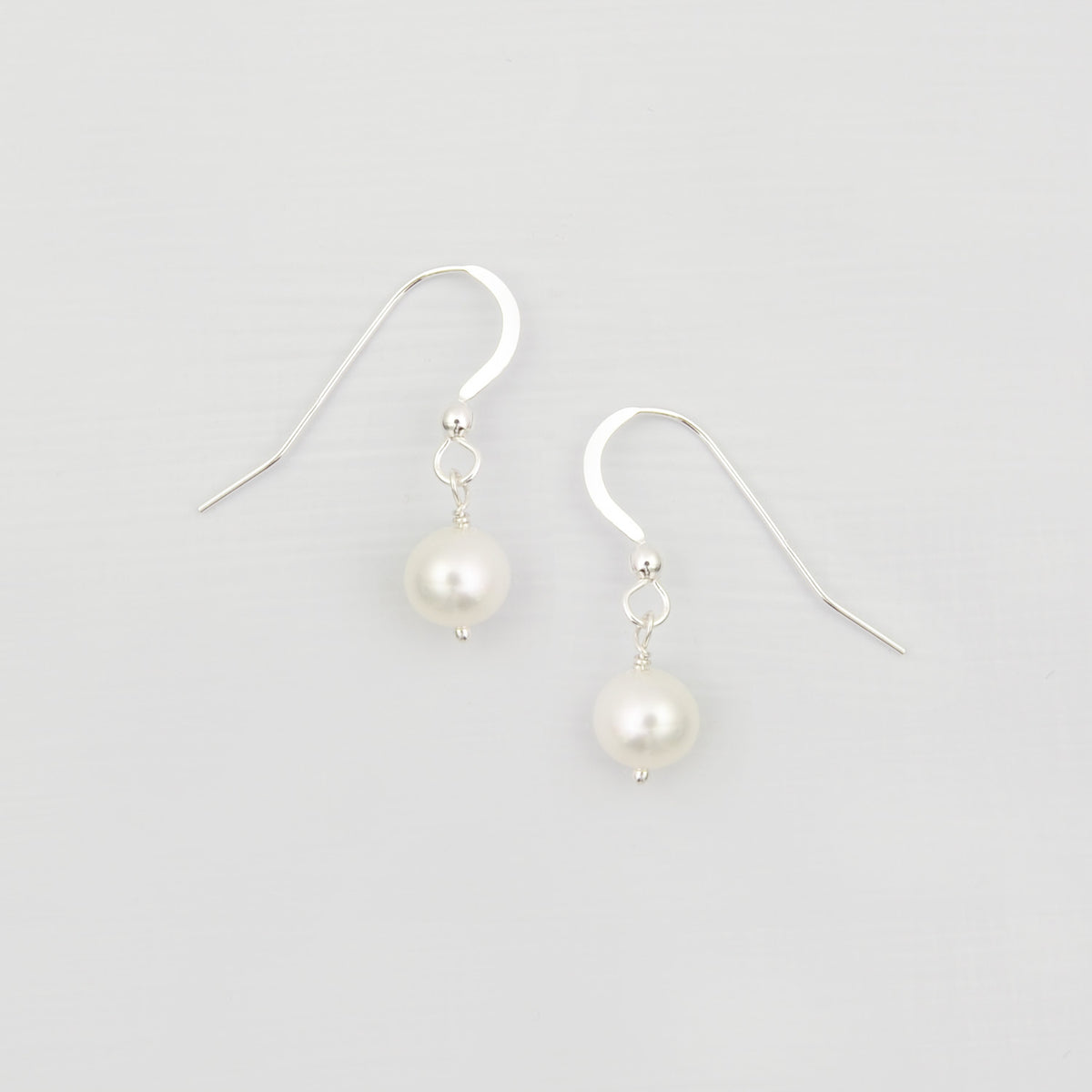 freshwater pearl drop earrings sterling silver