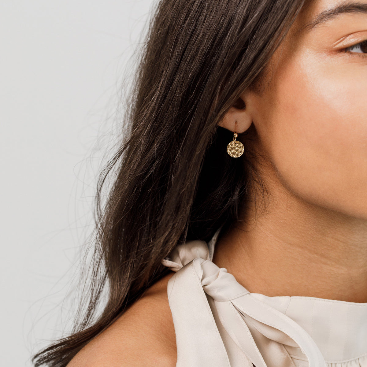 Gold Hammered Disk Earrings 'Effie'