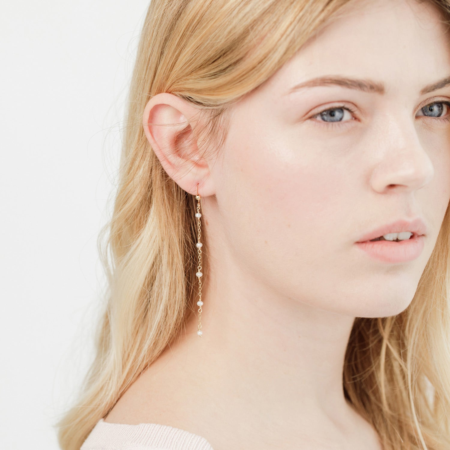 Pearl Chain Drop Earrings 'Calle'