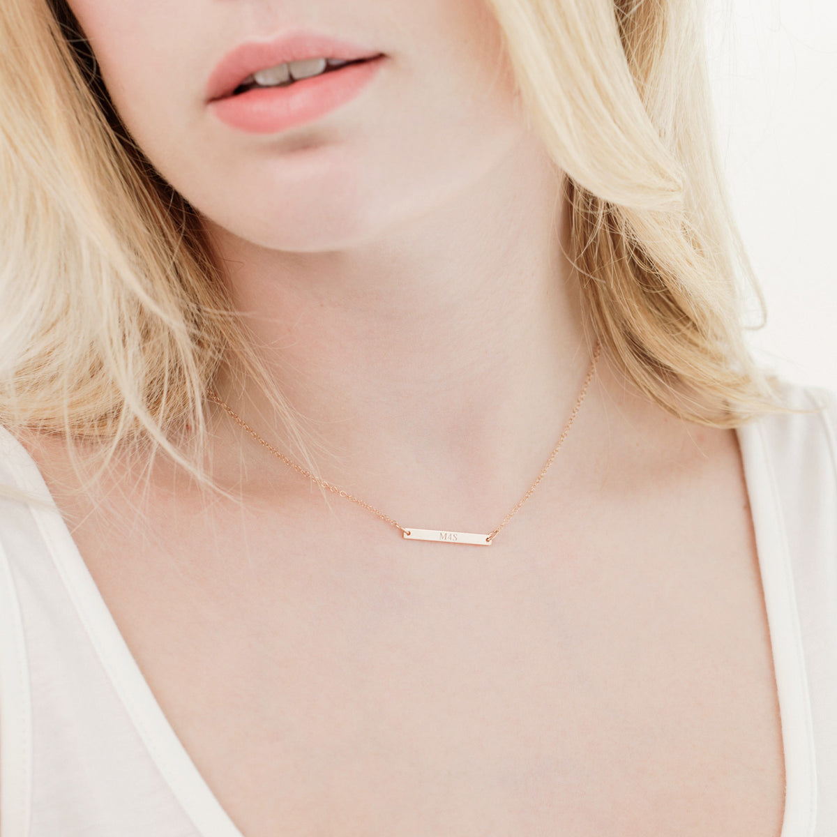 Personalised bar 'love' necklace 'Leonie'