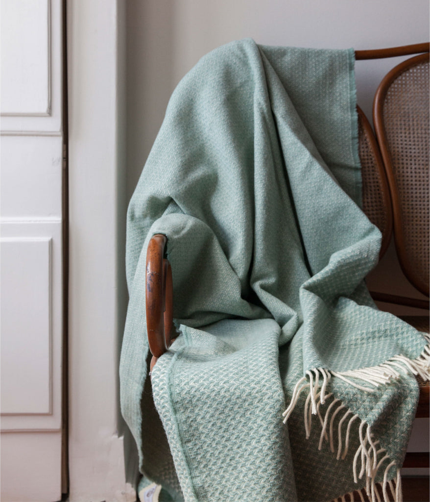 Swallow Cloud Blanket Aqua