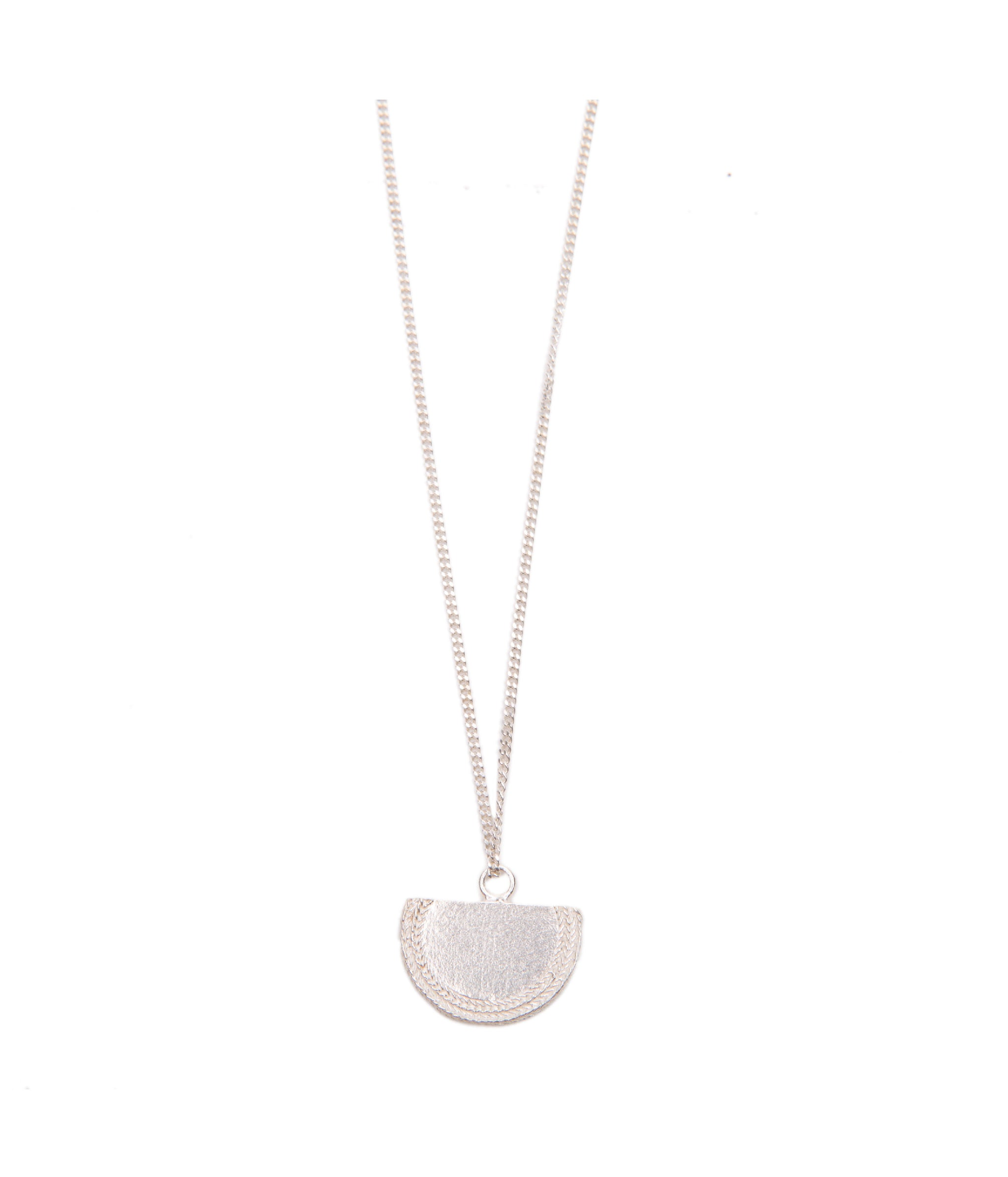 Beltia Short Necklace Silver