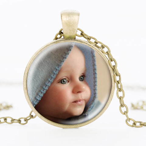 products/Personalized-Photo-Pendants-Custom-Necklace-Photo-of-Your-Baby-Child-Mom-Dad-Grandparent-Loved-One-Gift_1.jpg