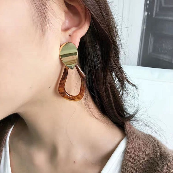 Pixie Acrylic Earring (Brown)